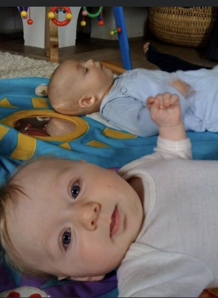 Baby Dreht Kopf Nur Auf Eine Seite